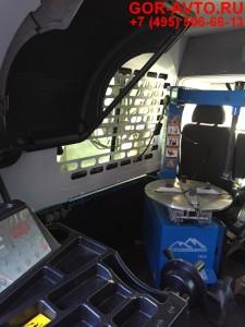 Разбортовка колес в передвижном шиномонтаже